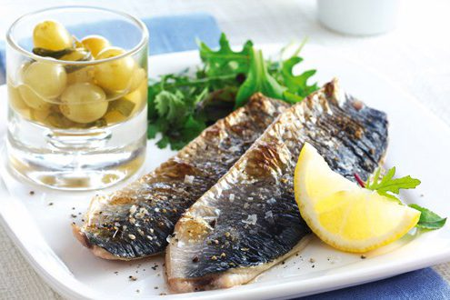 Grilled herring with grape
